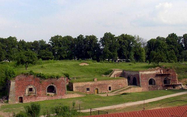 Ubytovací areál Čapkův statek   Zajímavosti v okolí   Pevnost Josefov